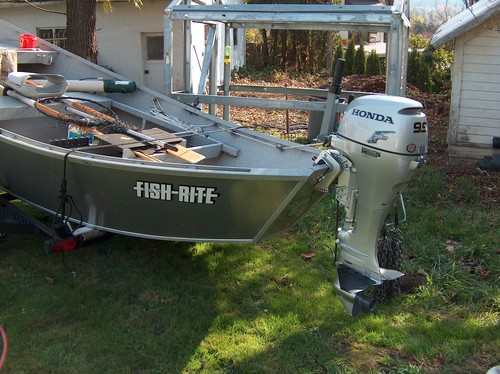 Price reduced fish rite drift boat with brand new motor for Fish rite boats